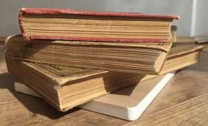books-1394336__180