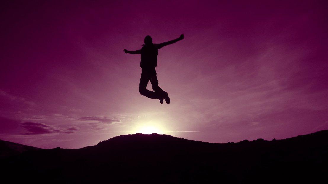 Jumping_violet_sky